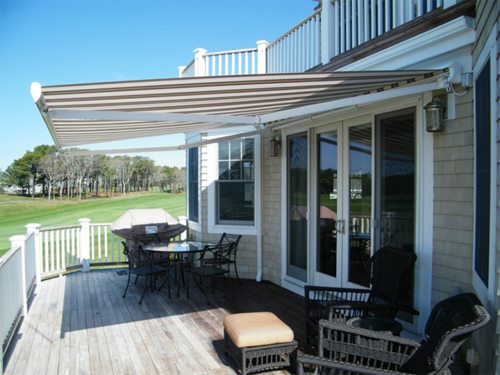 retractable awnings company